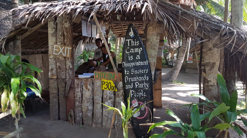 lola sayong surfcamp